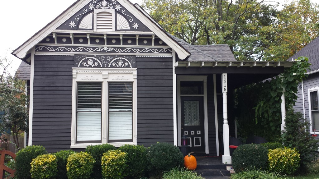 House in East Nashville - Halloween